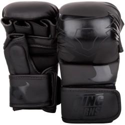 VENUM RINGHORNS Charger MMA Sparinga Cimdi - melnā krāsā